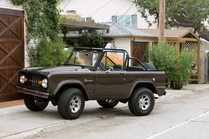 Jeremy Piven owns this brown classic early ford bronco, classy: Ears Ford, Ford Broncos Mi, Classic Ears, 70 S Ford, Broncos Ideas, Ears Broncos, Ford Broncos Classy, Classic Broncos, Ford Broncos Whoa