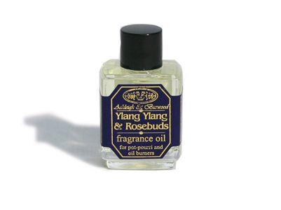 Συνδυάζοντας τους παραδοσιακούς ανθούς , το άρωμα Ylang Ylang & Rosebuds της Ashleigh & Burwood γεμίζει το σπίτι σας με ρομαντικό άρωμα. Πλούσιο και αισθησιακό με γλυκές νότες να αναζωογονήσει τις αισθήσεις σας, αυτό το αρωματικό λαδάκι προσφέρει ευτυχισμένες χαλαρωτικές στιγμές.