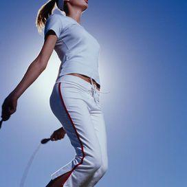 Salta la corda come quando eri bambina  Uno sport alternativo e a costo zero, saltaare la corda,
