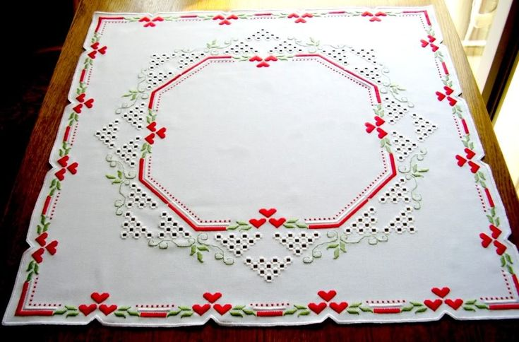 hardanger tablecloth with hearts photo DeckeweimitrotenHerzen70cmjpg.jpg