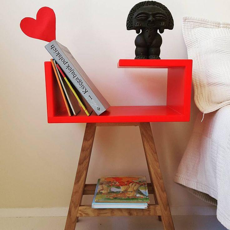 Stolik nocny czerwony w stylu skandynawskim #meble #acoco #sypialnia #syl #design