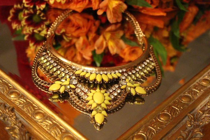 Hello yellow gorgeous statement halsband ! Ni hittar smycken med edge hos www.bywigstrom.com