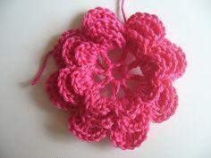 Zonnebloemetje's Tutorial: Iers bloemetje haken, wordt gebruikt voor het hart