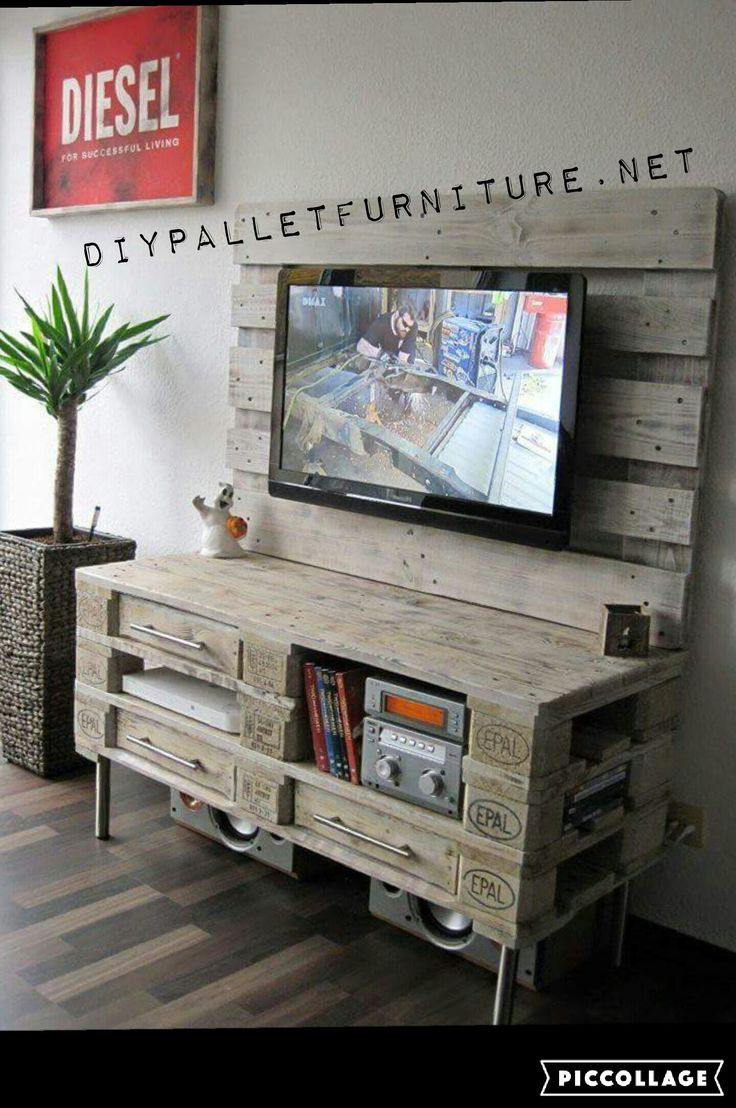 les 25 meilleures id es de la cat gorie meuble tv palette. Black Bedroom Furniture Sets. Home Design Ideas