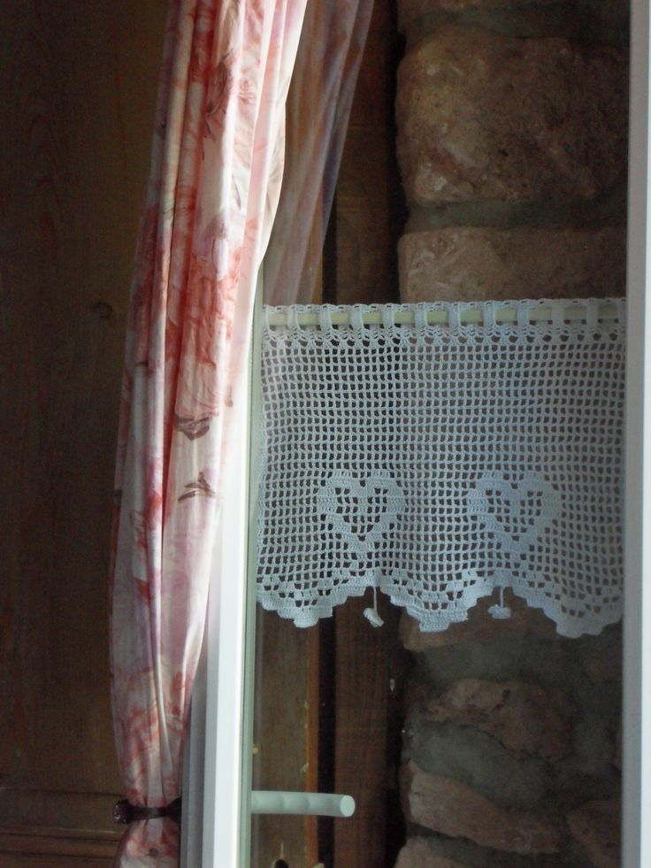 25 best ideas about crochet rideau on pinterest rideaux crochet motif de rideau au crochet. Black Bedroom Furniture Sets. Home Design Ideas
