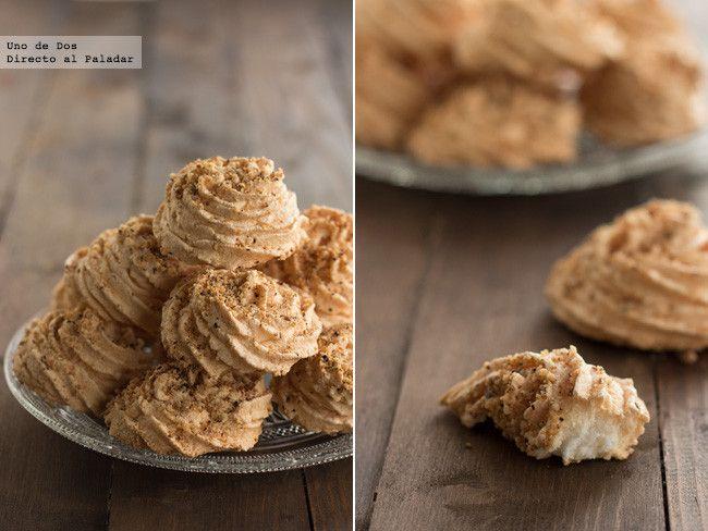 Bocaditos de merengue con avellana. Receta paso a paso http://www.directoalpaladar.com/postres/bocaditos-de-merengue-con-avellana-receta