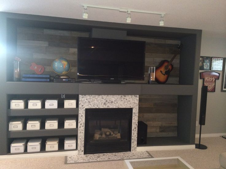 #pallet remodel. My new textured wall unit . #Pallets and stain .  So cozy :)