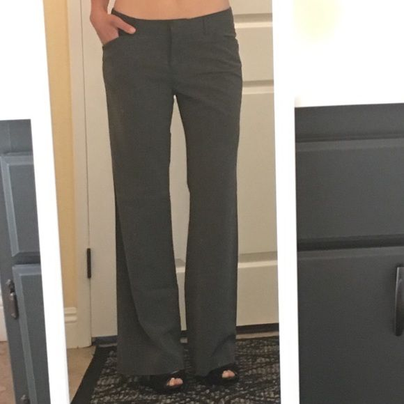 Daisy Fuentes Gray Dress Pants, size 6 Awesome gray slacks - size 6 - by Daisy Fuentes. The materials tag has faded, but otherwise they are in excellent condition! No fraying on the legs or anything! Some stretch to them. Perfect work staple. ⬇️ on ♏️ Daisy Fuentes Pants Trousers