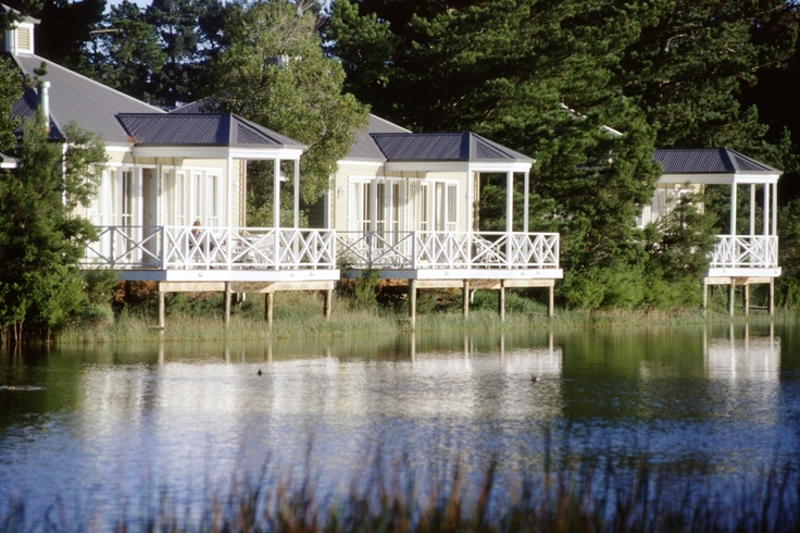 Lakeside Chalets at Woodman Estate Luxury Country Hotel - Restaurant - Spa Retreat, Moorooduc, Victoria