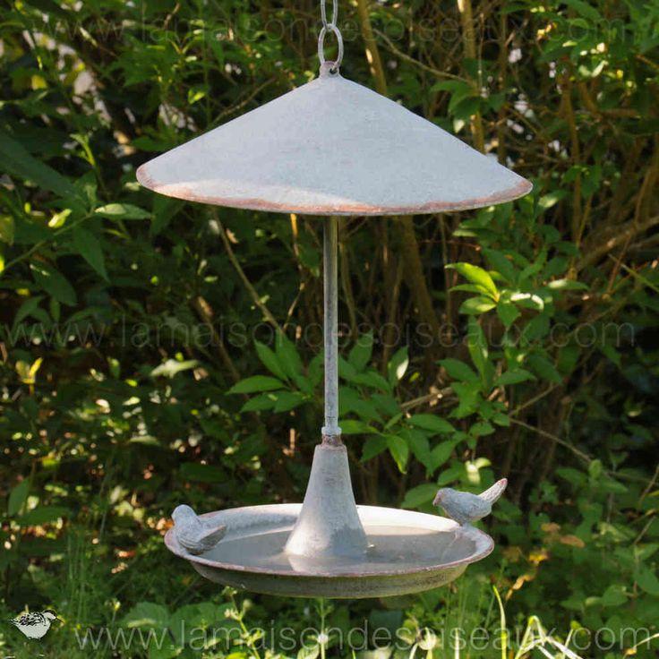 Abreuvoir bain pour oiseaux suspendre en metal patine for Oiseaux metal pour jardin