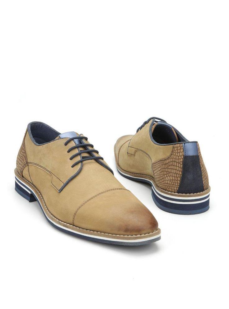 MOOY herenschoen  Description: Cognackleurige veterschoenen van MOOY. Deze stijlvolle herenschoenen zijn gemaakt van leer en hebben een kunststof zool. De schoenen zijn voorzien van blauwe details en hebben stiksels ter decoratie.  Price: 44.99  Meer informatie