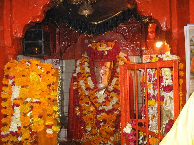 Khade Ganeshji Ka Temple, Kota Khade Ganesh Ji Temple: This temple is dedicated ot Lord Ganesha and is situated in the southern part of the Kota city. What is unusual here is the idol of Lord Ganesha that is worshipped in a standing position, which is no where in the world