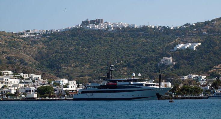 Travel the greek seas