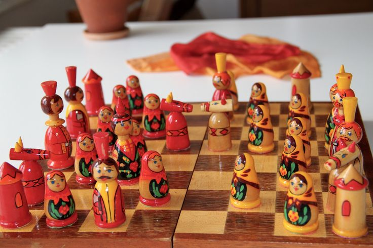 Vintage Original Hand Painted Wooden Chess Set from Soviet Union-East Berlin(DDR-Germany)-1977. Made in USSR - Rarität! (17) von SovietGallery auf Etsy