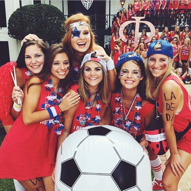 """The best day of the year is in exactly 1️⃣ MONTH!! Throwback to last year's """"I Believe That We Will Win"""" ⚽️ bid day theme! Can you guess what this year's theme will be?!  We cannot wait to meet everyone in just 24 days!! #ugarecruitment #ugapanhellenic"""