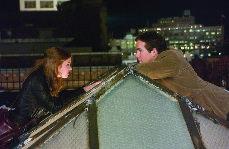 Mindenképpen talán /Definitely, Maybe/ magyarul beszélő, amerikai-angol-francia romantikus vígjáték, 112 perc, 2008                                Will Hayes: Ryan Reynolds                     Hampton Roth: Kevin Kline