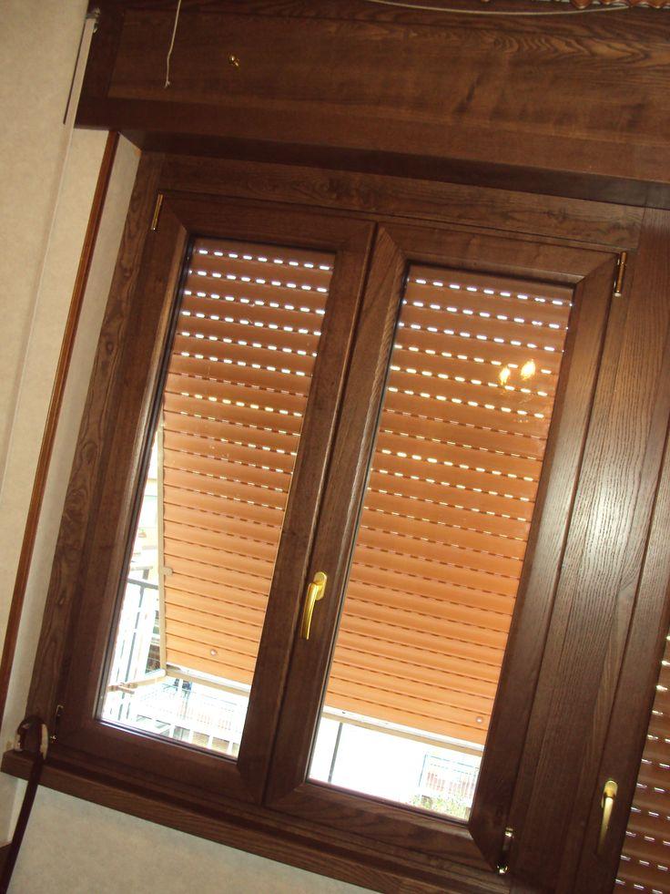 Pi di 25 fantastiche idee su finestre in legno su for Finestre di artigiano