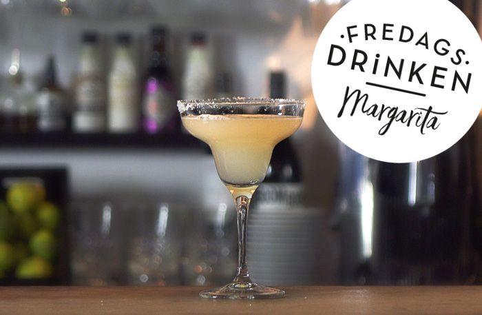 Recept på drinkenMargarita.Margarita sägs ha kommit till i Mexiko 1948 då Margareta Soames blandade de spritsorter hon tyckte bäst om, tequila och Cointreau, och la till lite citron och limejuice. Den är enkel, populär och klassisk. Mums!