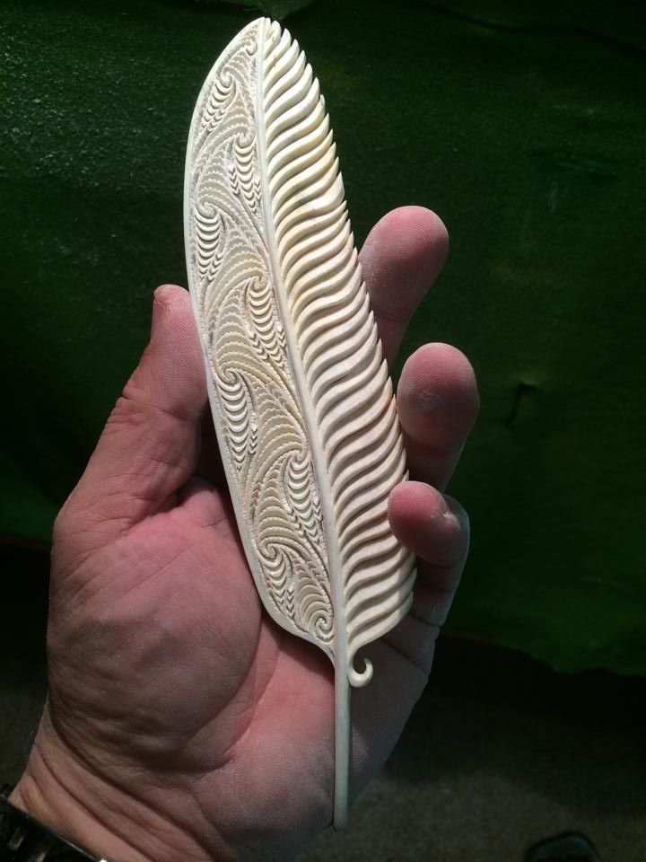 Feather Carver Rangi Kipa More