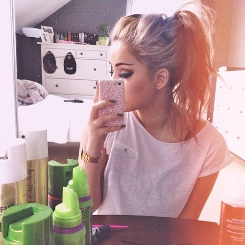 Messy, High, Ponytail. Yes, please!