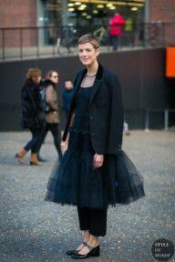 Mar 25, 2020 – STYLE DU MONDE / London Fashion Week Fall 2017 Street Style: Agyness Deyn #Fashion, #FashionBlog, #Fashio…