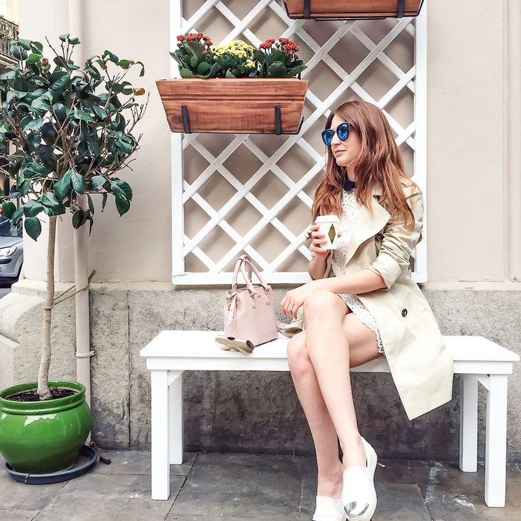 Coffee break - fashion blogger Instagram image