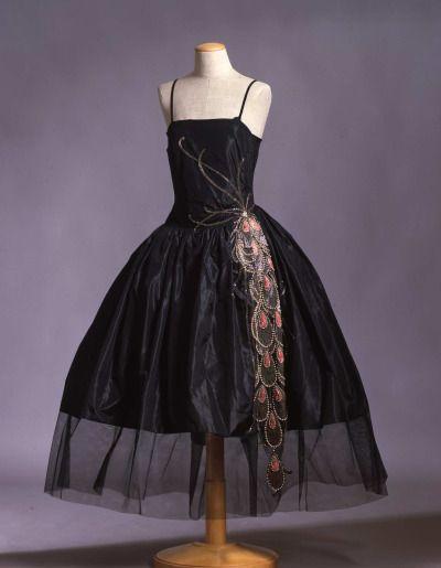 Robe de style ca. 1925 (Lanvin?)  From the Galleria del Costume di Palazzo Pitti via Europeana Fashion