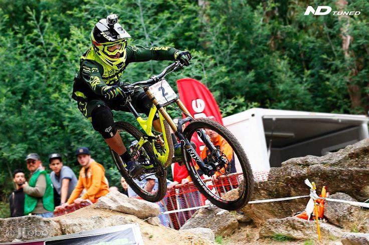 Francisco Pardal - Campeão Nacional Downhill 2014, Melhor Português no Mundial, 18º World Cup Andorra. Amortecedor DH 2xRC3 ND Tuned