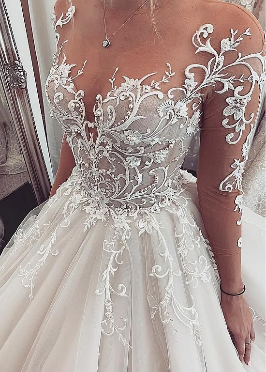 Buy discount Chic Tulle Jewel Neckline Ball Gown Wedding Dresses With Lace Appli…