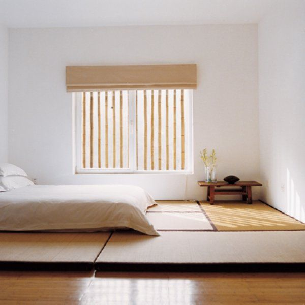 Bed on tatami japanese mats