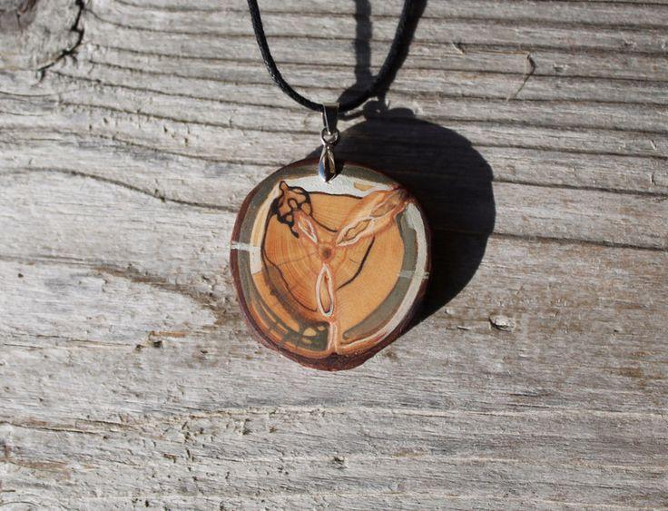 Amulette - Arvemulett- Amulett aus Zirbenholz - ein Designerstück von TirolZirbe…