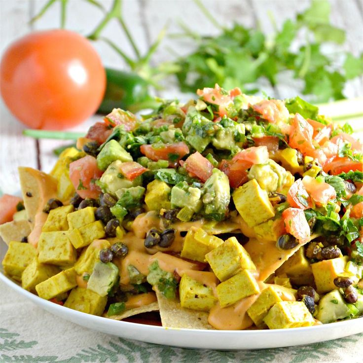 Breakfast Nachos by @VeggiesSave - #KeepOnCooking #Breakfast #Brunch #GlutenFree #Vegan #Vegetarian