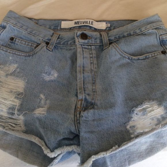 Brandy Melville high rise shorts Worn only a hand full of times these brandy shorts are still in excellent condition! They are a little high waisted, perfect for spring. I wear a size 3 or 27 and these fit me perfectly! Brandy Melville Shorts Jean Shorts