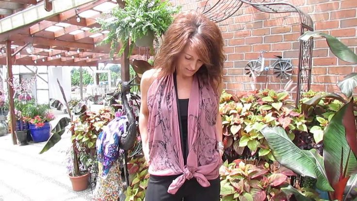 Check out this great little tip, on how to create a new look with your scarves. www.cindysgarden.com/videos