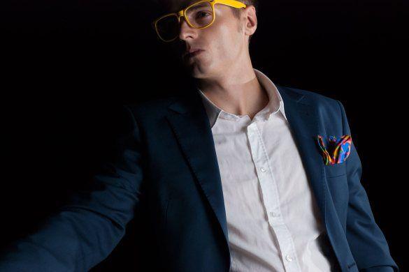 Odważne modne dodatki! Poszetka i okulary.  #modameska #poszetka #pocketsquare #StyleToGo #lookbook #outfit #suit