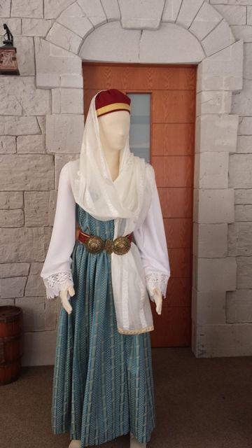 Γυναικεία φορεσιά Σάμου