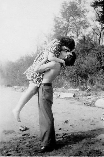 Young love. 1930's. I love when a guy does this!!