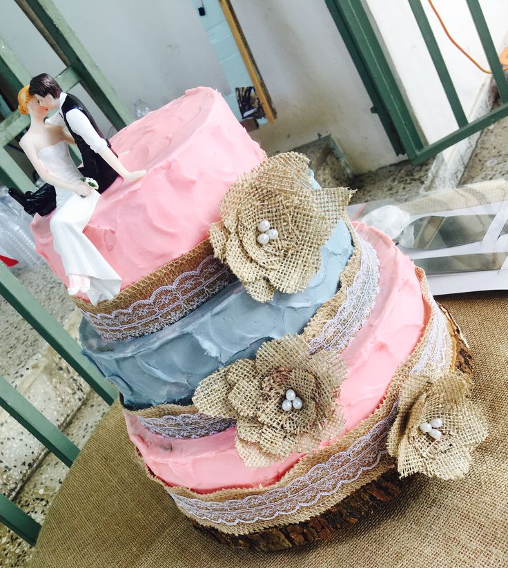 Bizcocho de boda rústico