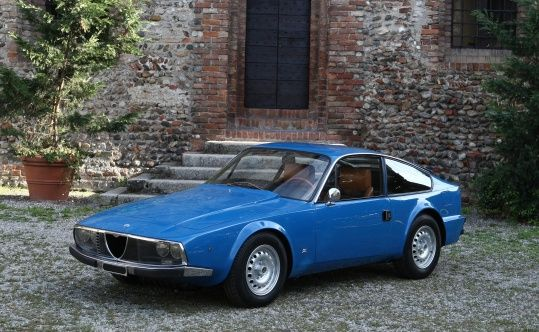 1972 Alfa Romeo Zagato - Junior 1600 coupé Maintenance/restoration of old/vintage vehicles: the material for new cogs/casters/gears/pads could be cast polyamide which I (Cast polyamide) can produce. My contact: tatjana.alic@windowslive.com