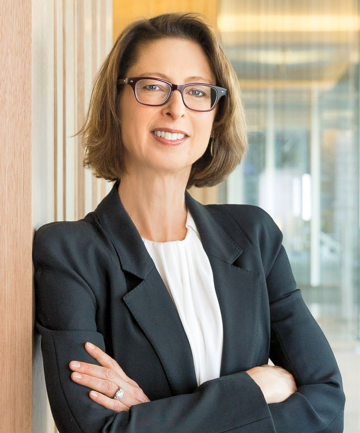 11 Female Ceos Who Are Breaking Barriers In The Workplace Women Ceo Executive Woman Executive Fashion