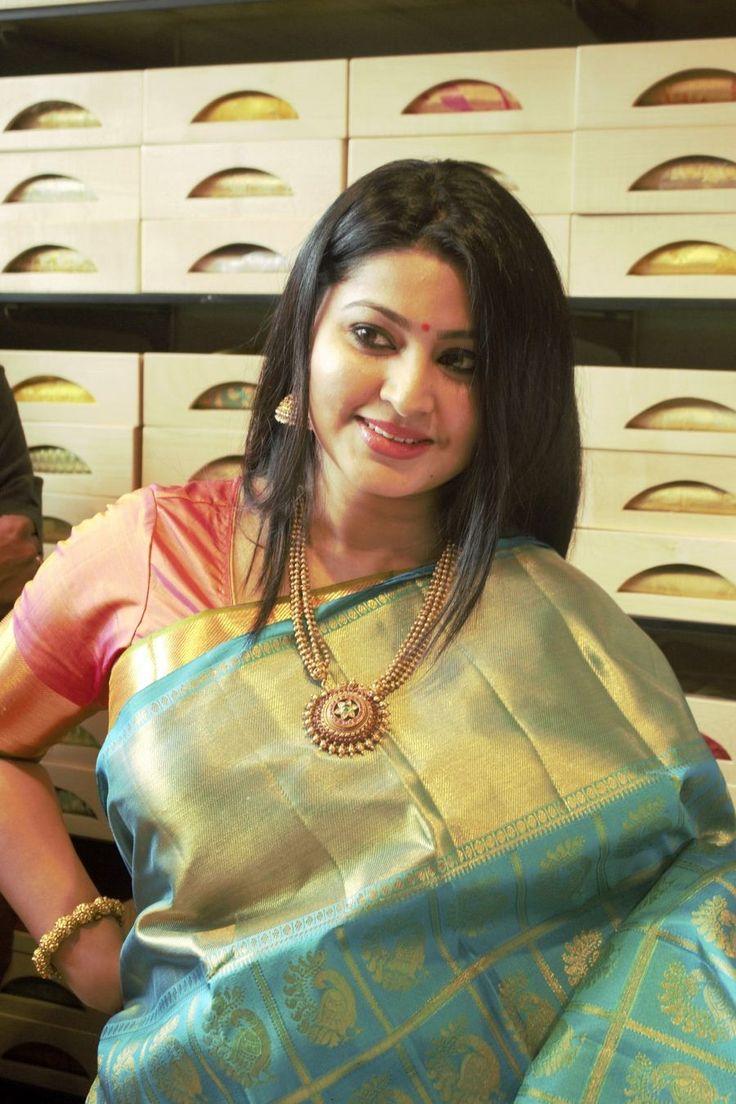 Sneha inaugurates Kancheepuram VRK Silks Photos - KOLLY TALK