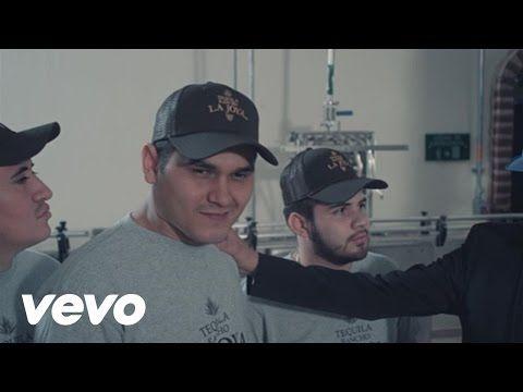 Banda Los Recoditos - Me Está Gustando - YouTube