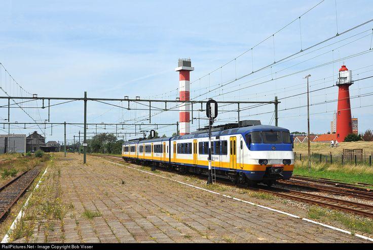 RailPictures.Net Photo: NS 2954 Nederlandse Spoorwegen NS Plan Y at Hoek van Holland, Netherlands by Bob Visser