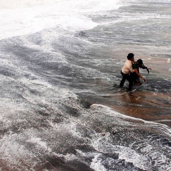Cyclone Hudhud: 5 killed in AP, Odisha- The Times of India Photogallery Page 3