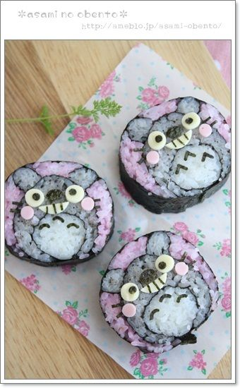 Photo Tutorial: Ghibli Totoro Sushi Roll|asamiさんのトトロ恵方巻き A lot of work, but mainly pinning this for the Japanese. Looks like it'll be easier to translate than some other sources