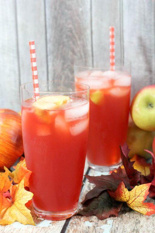 Love this 'Poison Apple' Halloween drink idea.