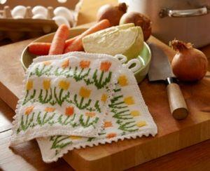 Nemt lille håndarbejde: En stak lækre, strikkede karklude i muntre farver, der evt kan bruges som små gaver
