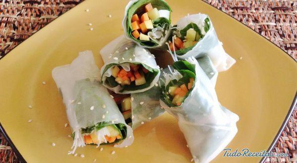 Receita de Rolinhos primavera tailandeses - 10 passos