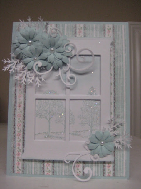 Beautiful Holiday Card! Lovely use of SU Lovely as a Tree and Grand Madison Window die