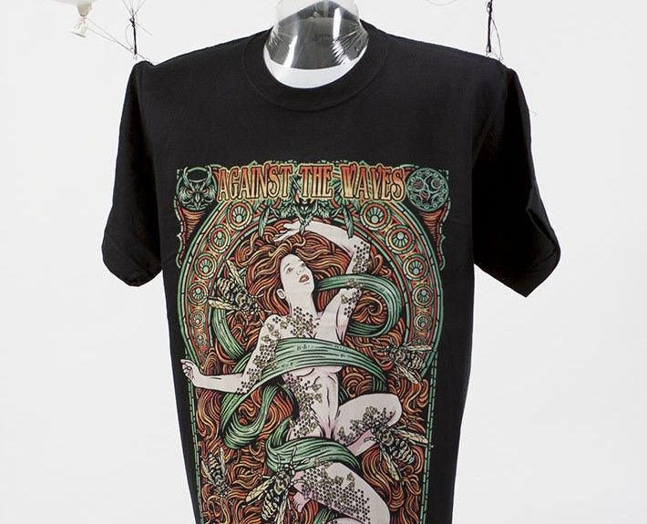 Serigrafía Textil Tricromía (CMY + Base) sobre Camiseta Negra - Diseño: Julio Fúquene. - Portfolio completo: http://dreamind.es/?page_id=2269